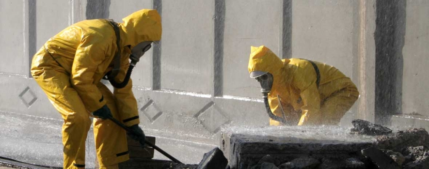Contamination Control: Common Decontamination Methods & PPE to Keep Workers Safe